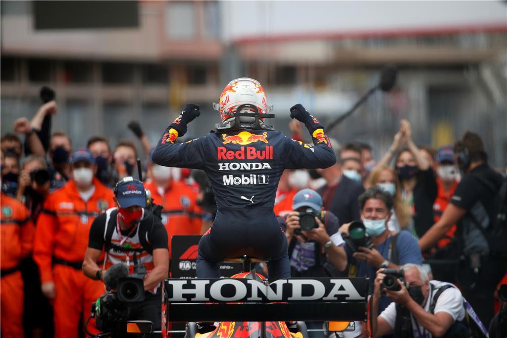 Οι Max και Red Bull Racing έδωσαν την πρώτη νίκη της Honda στο Μονακό από το 1992 και τον Ayrton Senna.